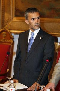 Víctor Medina durante su nombramiento