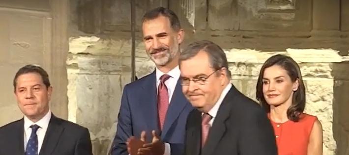 El Dr. Antonio Almagro Gorbea (EEA-LAAC) recibe de manos de los Reyes el Premio Nacional de Restauración y Conservación de Bienes Culturales 2016
