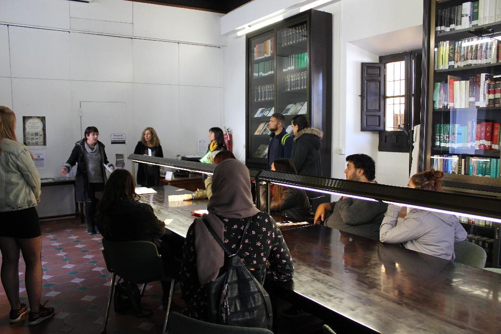 Formar y Difundir: Visitas educativas a la Biblioteca