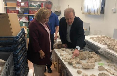 La Presidenta del CSIC visita la Escuela de Estudios Árabes