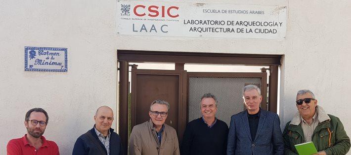 Visita de miembros del Instituto de Estudios Albacentenses al Laboratorio de Arqueología y Arquitectura de la Ciudad (LAAC)
