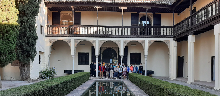 Estudiantes de Polonia en el programa Erasmus+ visitan la Casa del Chapiz (EEA)